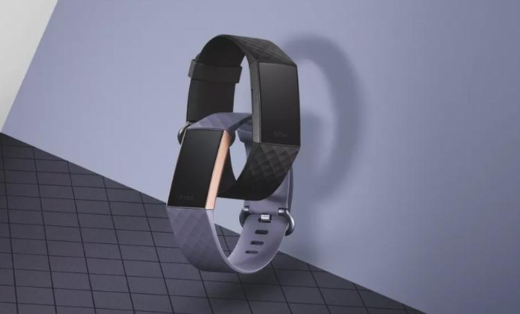 фитнес-браслет fitbit charge боится погружений глубину метров