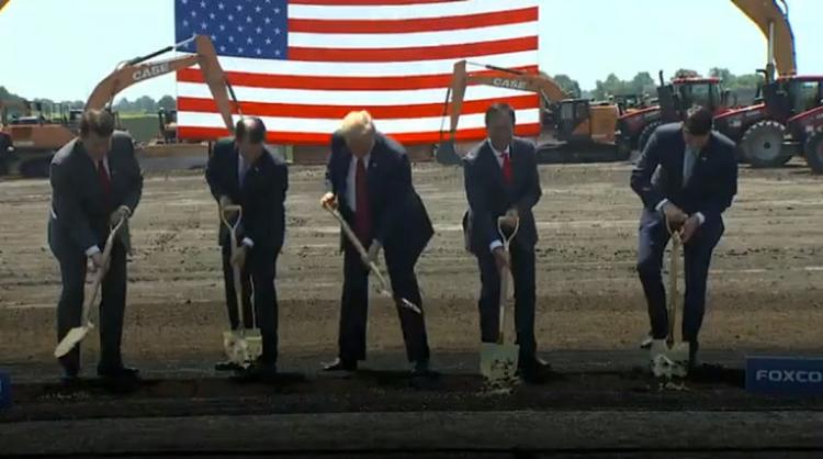 Foxconn намерена задействовать на заводе в Висконсине местную рабочую силу