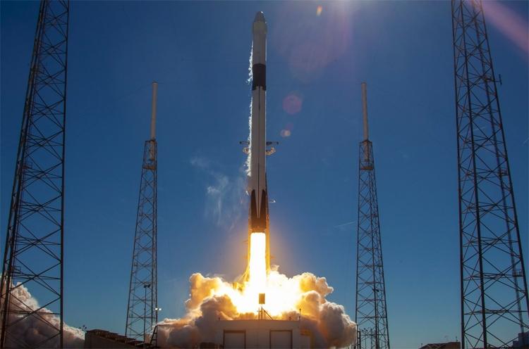 Видео дня: неудачная посадка ракеты SpaceX Falcon 9 — первая ступень оказалась в воде