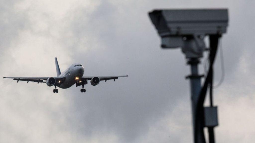 За атакой дрона на Гатвик могли стоять сотрудники аэропорта