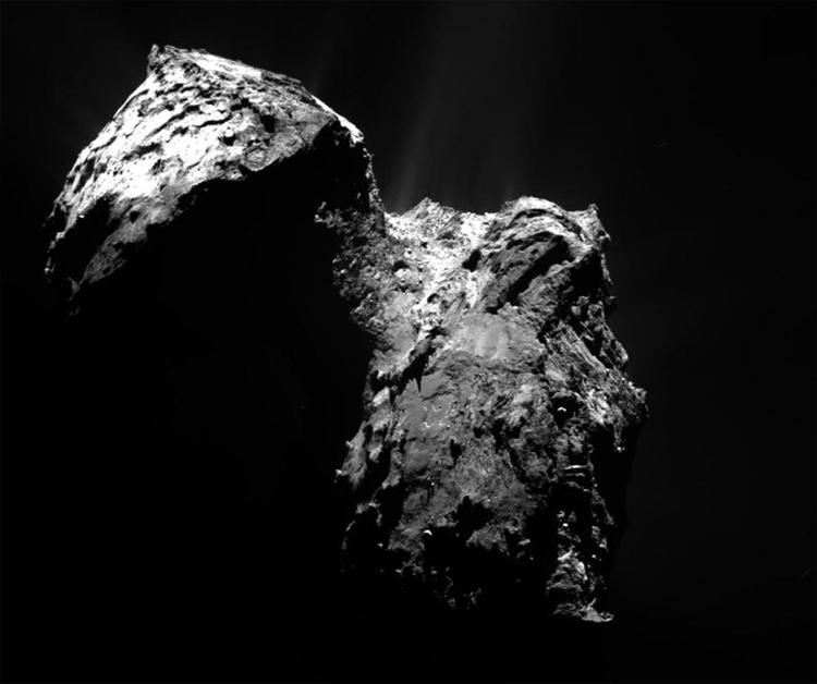 Фото дня: 70 000 снимков кометы Чурюмова-Герасименко