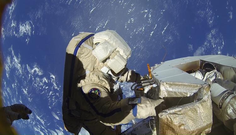 Создание космического ранца-спасателя в России приостановлено