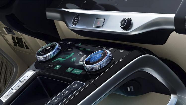 Jaguar I-Pace занял половину российского рынка электромобилей