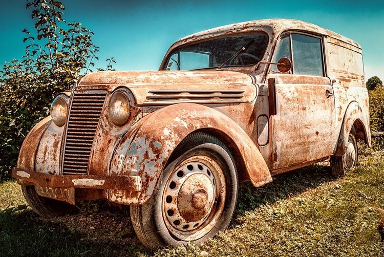 В России предлагается запретить эксплуатацию старых автомобилей