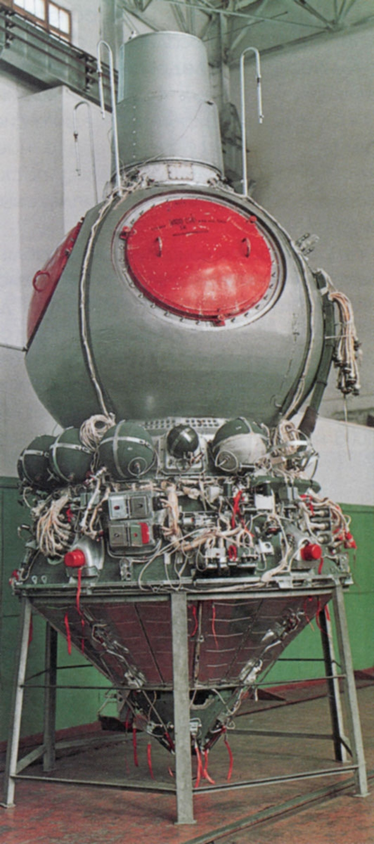 Рассекречены подробности разработки и полёта первого в мире многоместного космического корабля «Восход»
