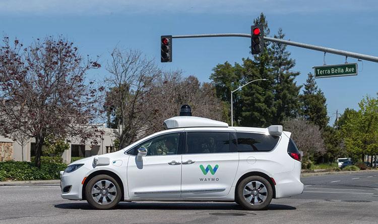 Несмотря на самоизоляцию, робомобили Waymo вернутся на дороги в области залива Сан-Франциско