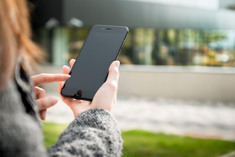 Поставки смартфонов в первом квартале рухнули на 20 % из-за коронавируса