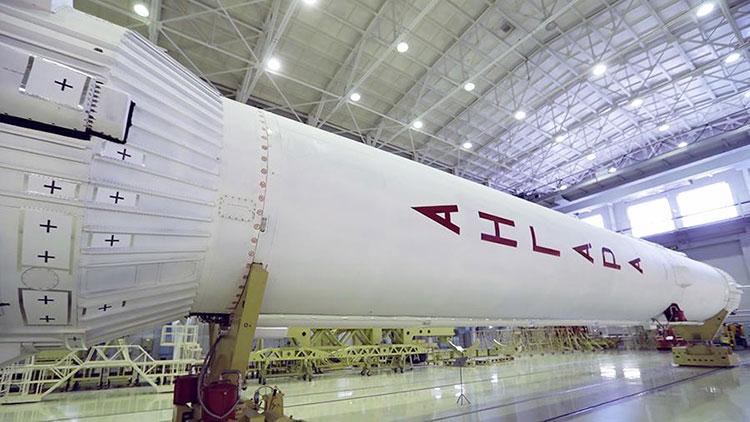 «Ангара-А5» оказалась вдвое дороже Falcon 9, но Роскосмос обещает её удешевить