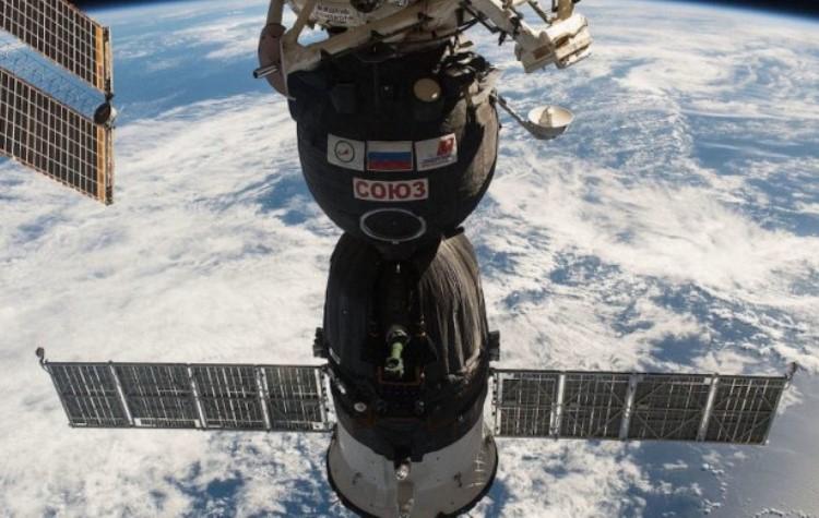 Для обеспечения выхода в открытый космос корабль «Союз МС-17» будет перестыкован