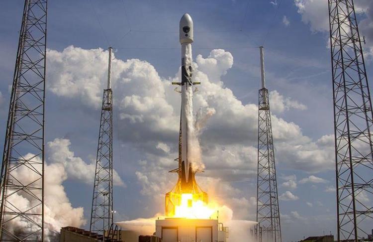 SpaceX вновь отложила пуск ракеты Falcon 9 со спутниками Starlink
