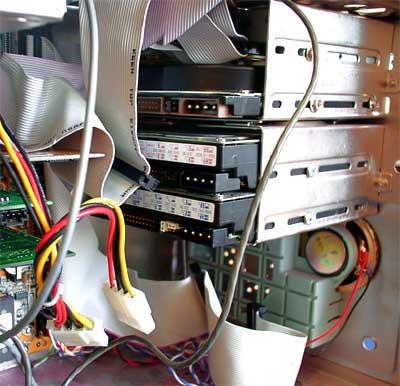 Установка в корпус и подключение дисководов (HDD, FDD, CD, DVD, Mobil Reck) .