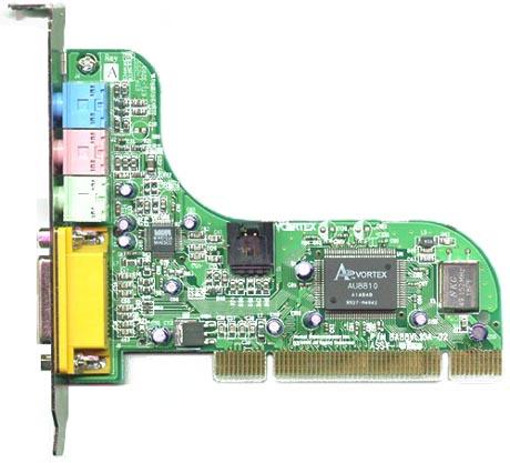 Звуковая карта Vortex Advantage использует PCI шину.  Печатная плата имеет очень необычную волнообразную форму...