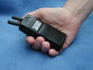 Наверное, в некоторых случаях - вещь просто...  Карманная глушилка мобилок Звонки мобильных телефонов иногда...