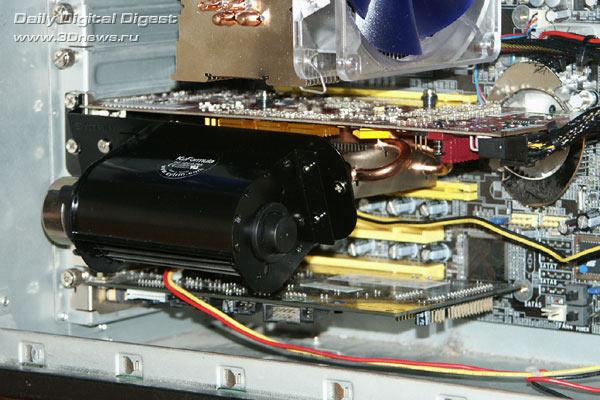 Видеокарта со смонтированным кулером установлена в корпус